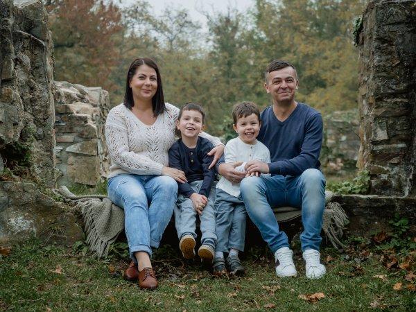 Orsi és családja